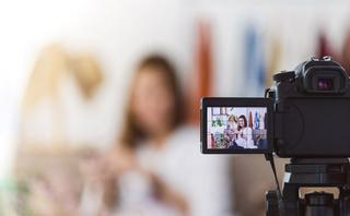 Where and how often do consumers watch live video?
