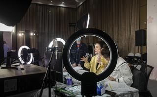 China millionaire livestreamer Viya shows online shopping future