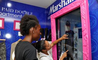 Virtual try-on tools gain favor among fashion retailers